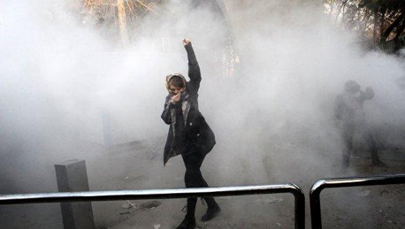 Количество жертв протестов вИране возросло до четырех человек