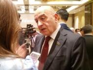 Депутат Расим Мусабеков анонсирует отставки в правительстве после президентских выборов