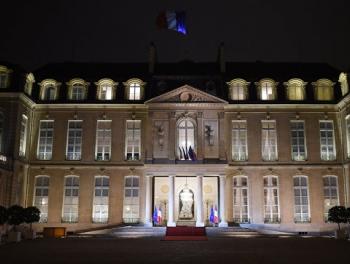 Париж готов атаковать в Сирии склады с химическим оружием