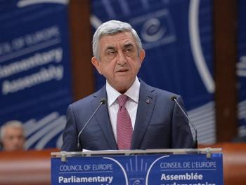 Саргсян обратился к Джафарову: «Haralısan?»