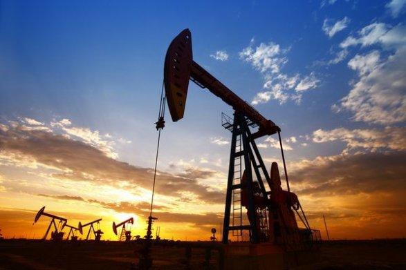 Нефть торгуется разнонаправленно: WTI растет, Brent снижается