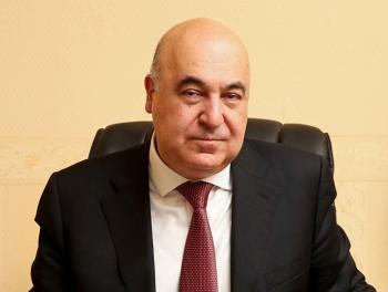Чингиз Абдуллаев: «Сжигайте мои книги, отрежьте пальцы Фархаду Бадалбейли, уничтожьте картины Фархада Халилова…»