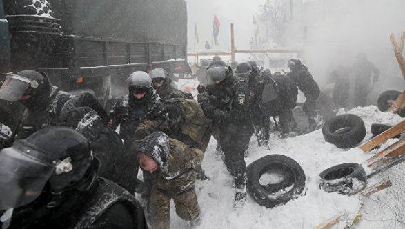 Палаточный городок протестующих под Верховной Радой разгромила полиция