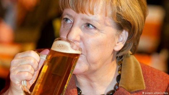 Меркель рассчитывает научастие РФ  в изучении  по«делу Скрипаля»