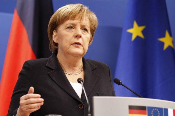 Меркель поздравила В.Путина спобедой иотметила значимость разговора между странами
