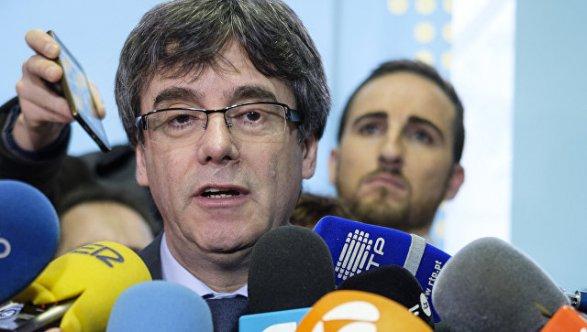 Тысячи каталонцев вышли напротест против задержания Пучдемона