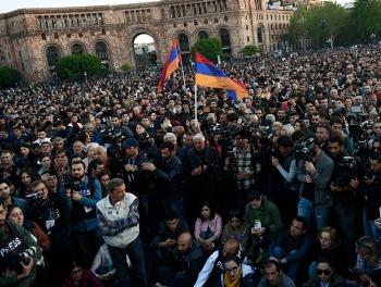 Протесты в Ереване: сотни задержанных