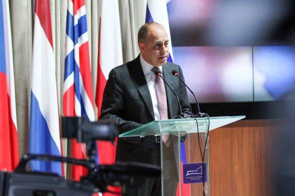 Алиев ожидает  укрепления финансовых  связей Азербайджана сРоссией