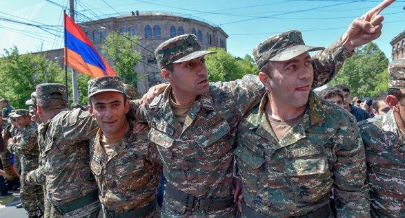 ВЕреване возобновились шествия оппозиции