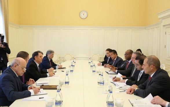 Новруз Мамедов встретился с североамериканскими конгрессменами