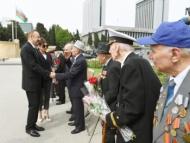 Ильхам Алиев на церемонии в честь Дня Победы
