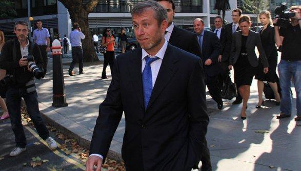 Роман Абрамович, понекоторым данным, неможет вернуться вАнглию