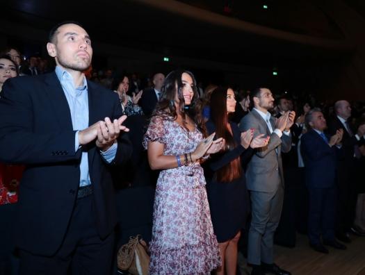 Лейла и Арзу Алиевы на презентации фильма к 100-летию АДР