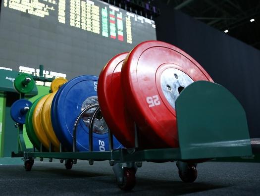 В Баку привезли сотни килограммов допинга