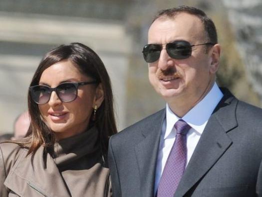 Ильхам и Мехрибан Алиевы на выпускном вечере университета ADA