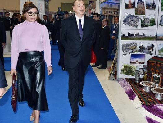 Алиевы на нефтегазовой выставке в Баку