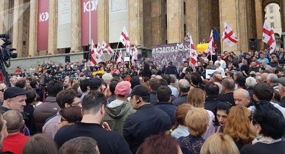 Вмэрии Тбилиси сообщили, что не планируют увеличивать заработную плату машинистов метрополитена