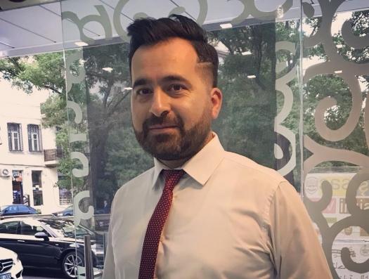 Бахтияр Гаджиев: «Я хотел стать чиновником и помочь государству, а меня отправили на диван»