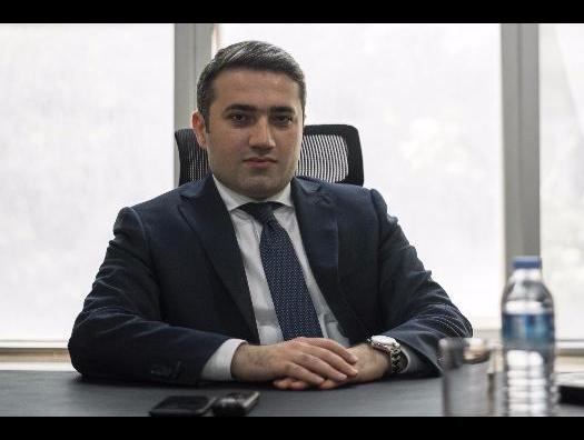 Зампред GünayBank похитил 100 миллионов и сбежал из Азербайджана