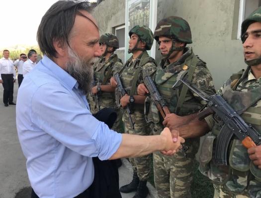 Российские депутаты и общественные деятели в окопах азербайджанской армии