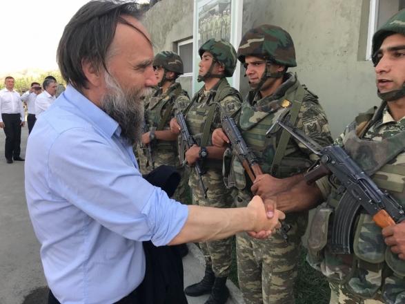 Дугин выбирает себе геев в военной части Азербайджана