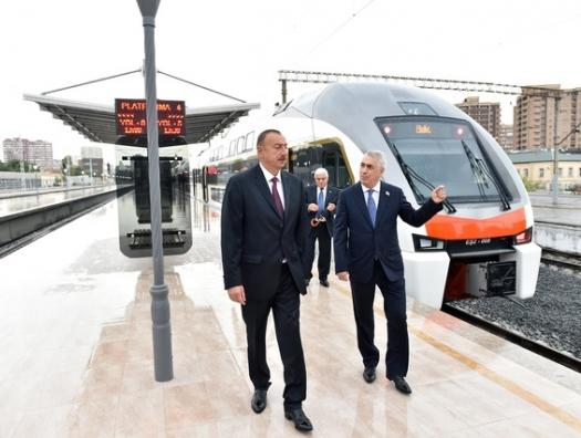 Ильхам Алиев призвал модернизировать железные дороги и не забывать о пассажирах