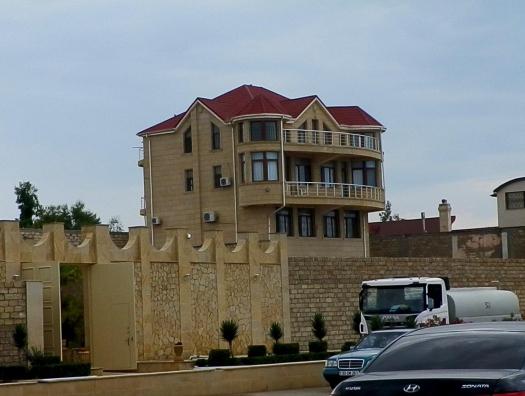 На берегу Каспия приостановлено строительство дач