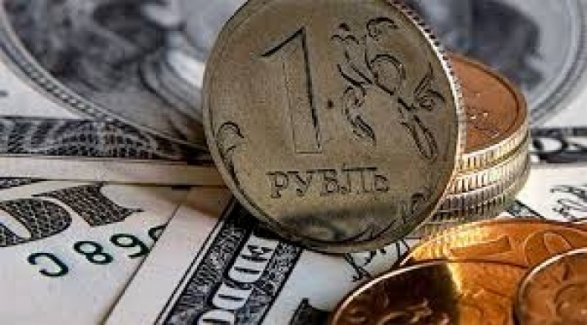 Доллар подорожал, аевро упал вцене вкурсах Нацбанка насреду. Инфографика