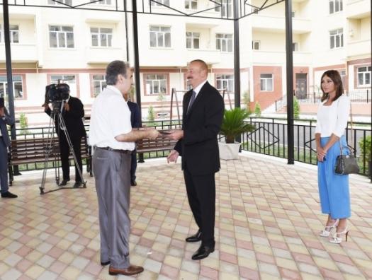 Ильхам Алиев: «До конца года еще 500 инвалидов получат квартиры»