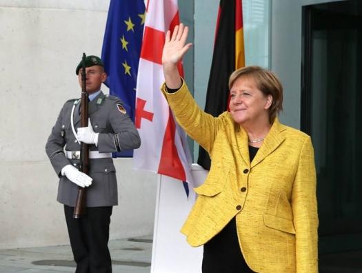 Что стоит за визитом Меркель в Грузию?