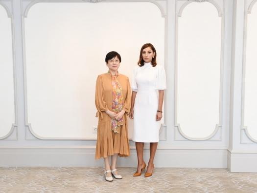 Китайская делегация на встрече с Мехрибан Алиевой