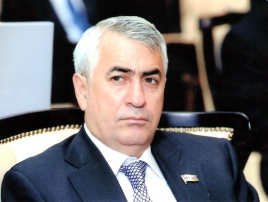 Ильхам Алиев наградил Джавида Гурбанова