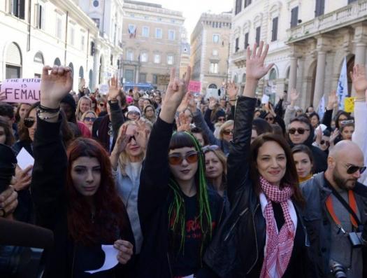 Вся Бельгия встала на защиту азербайджанской семьи
