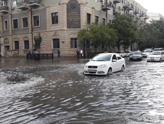 Исполнительная власть Баку обвиняет Azersu