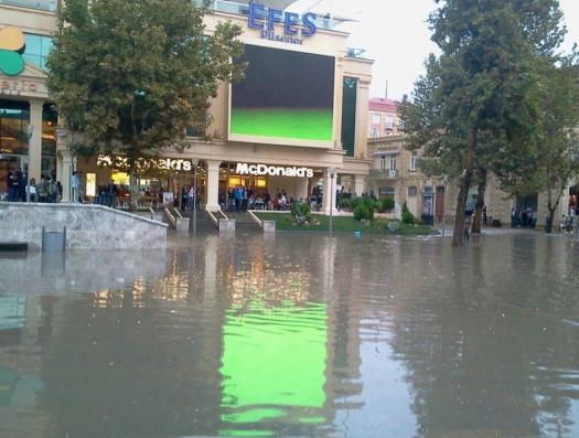 Azersu: Если бы не мы, метро «Сахиль» затопило бы