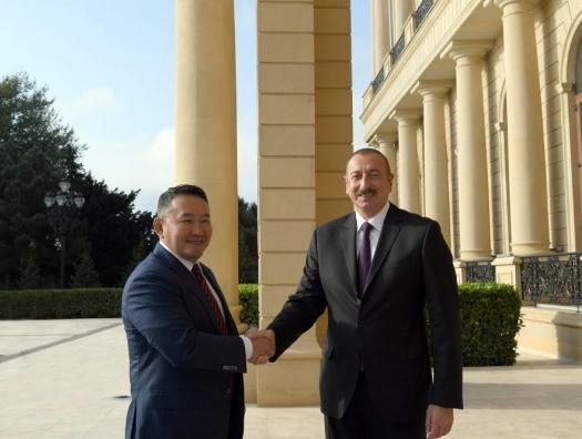 Президент Монголии на переговорах с Ильхамом Алиевым