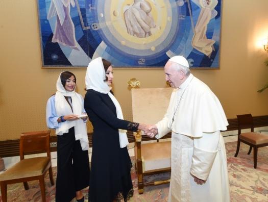 Мехрибан Алиева на встрече с Папой Римским