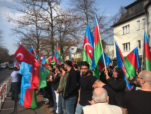 Митинг протеста азербайджанцев в Германии