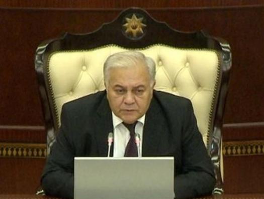 Горячие дебаты в Милли Меджлисе. Спикер Октай Асадов: «Мы должны быть осторожны…»