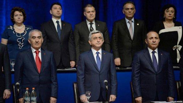 В Армении договорились о досрочных парламентских выборах в декабре