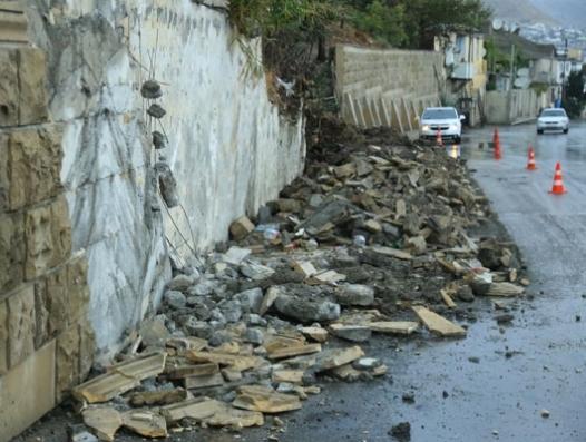 Оползень в Баку: новые обвалы на Бибиэйбате