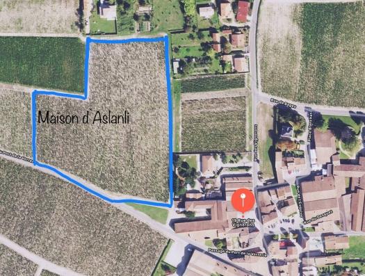 Азербайджанский госчиновник купил гектары земли во Франции