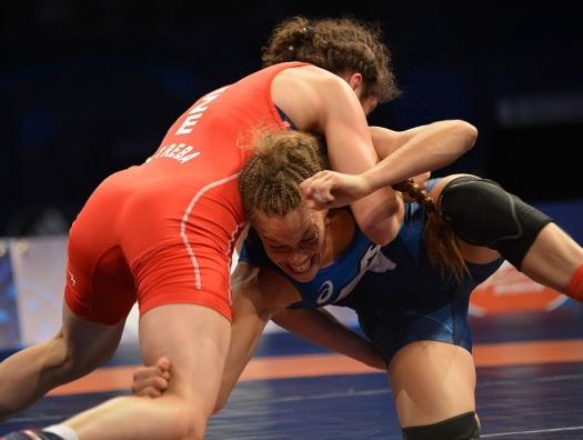 Азербайджанская спортсменка вышла в четвертьфинал ЧМ по борьбе