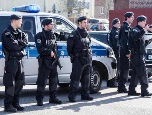 Азербайджанец поднял нож на азербайджанцев в Германии