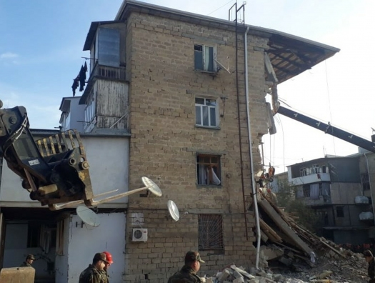 Взрыв в жилом доме в Гяндже: растет число жертв