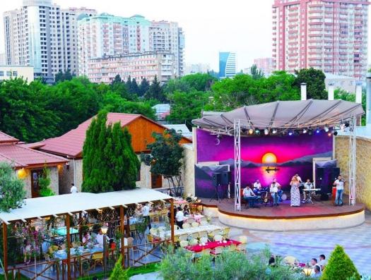 Власти объявили 64 ресторана вне закона: Чананггала, Оазис…