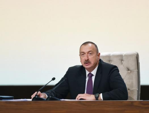 После предупреждения президента прошел месяц. Сотни ресторанов продолжают отравлять Баку