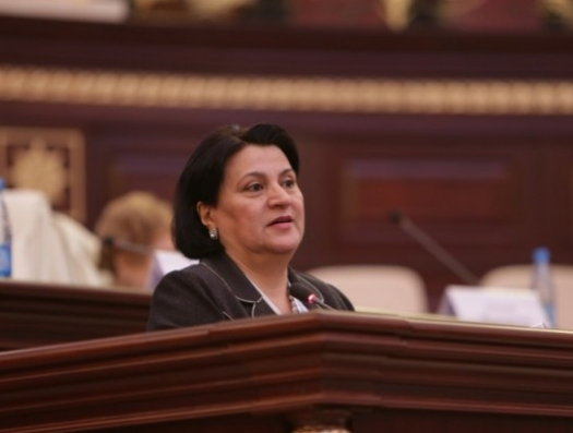 Депутат Бахшалиева снова выступила против русского языка