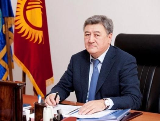 Киргизские следователи летят в Баку за задержанным чиновником