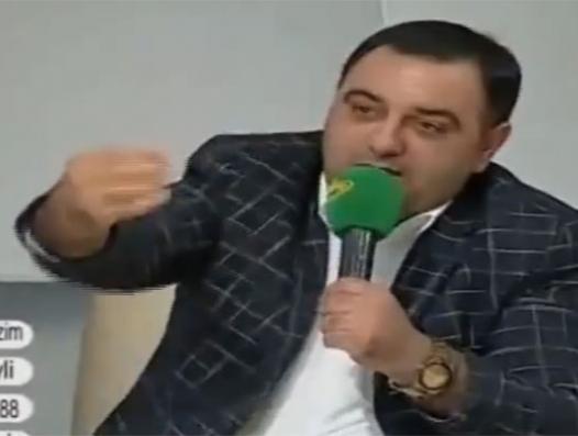 В Баку преподаватель женился на ученице 7-го класса